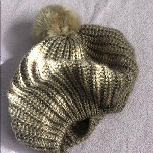 H&M beret knit hat